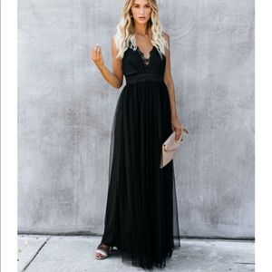Main Event Lace Tulle Maxi Dress - Black. Small